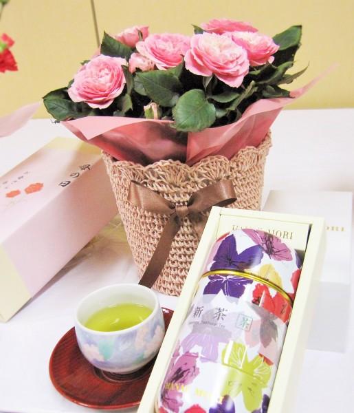 母の日の花とセットのプレゼント