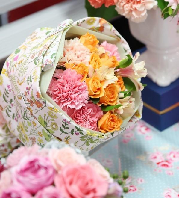 母の日花ギフト日比谷花壇